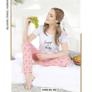 Women Off White with Printed Peach Pyjama Set